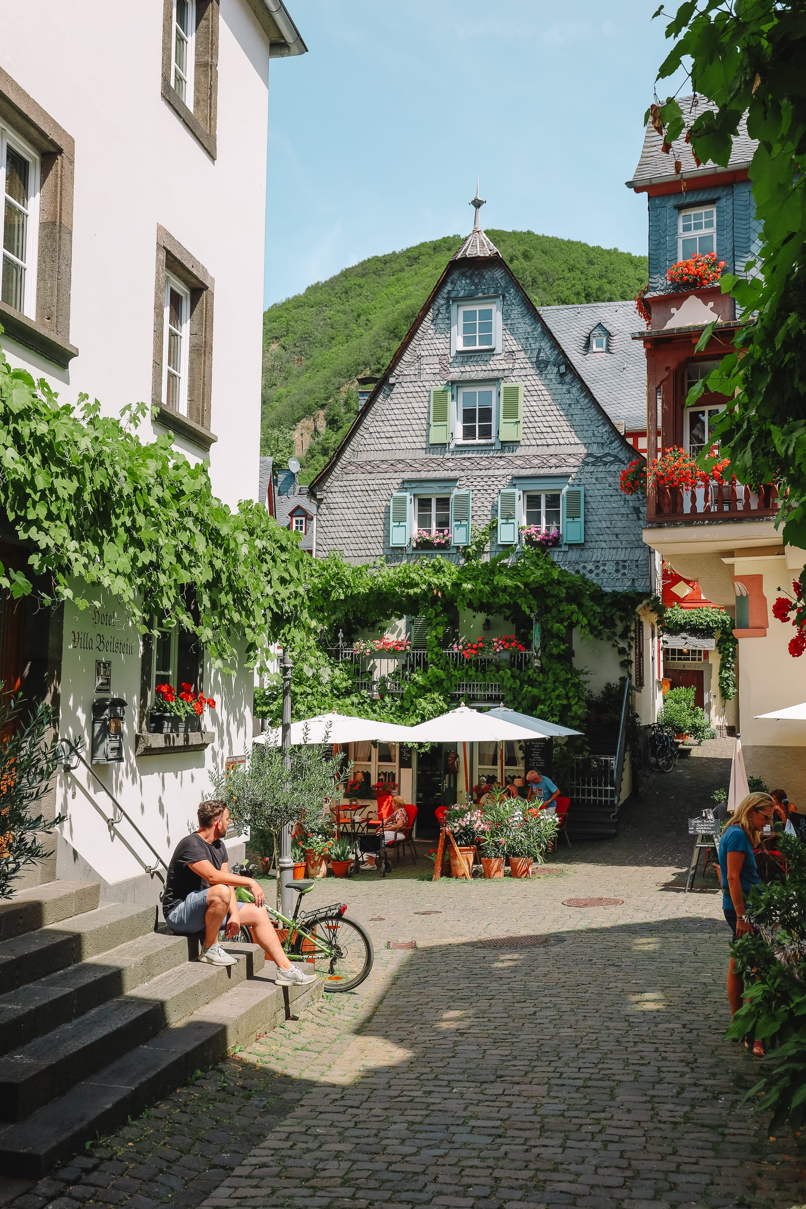 The Gorgeous Little Town Of Beilstein and The Amazing Eltz Castle In Germany (16)