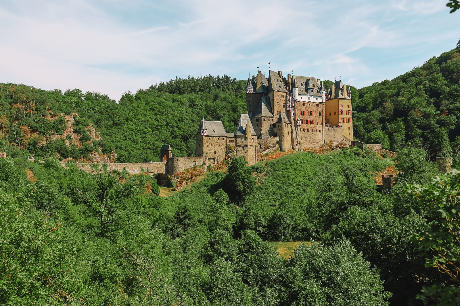 The Gorgeous Little Town Of Beilstein and The Amazing Eltz Castle In Germany (33)