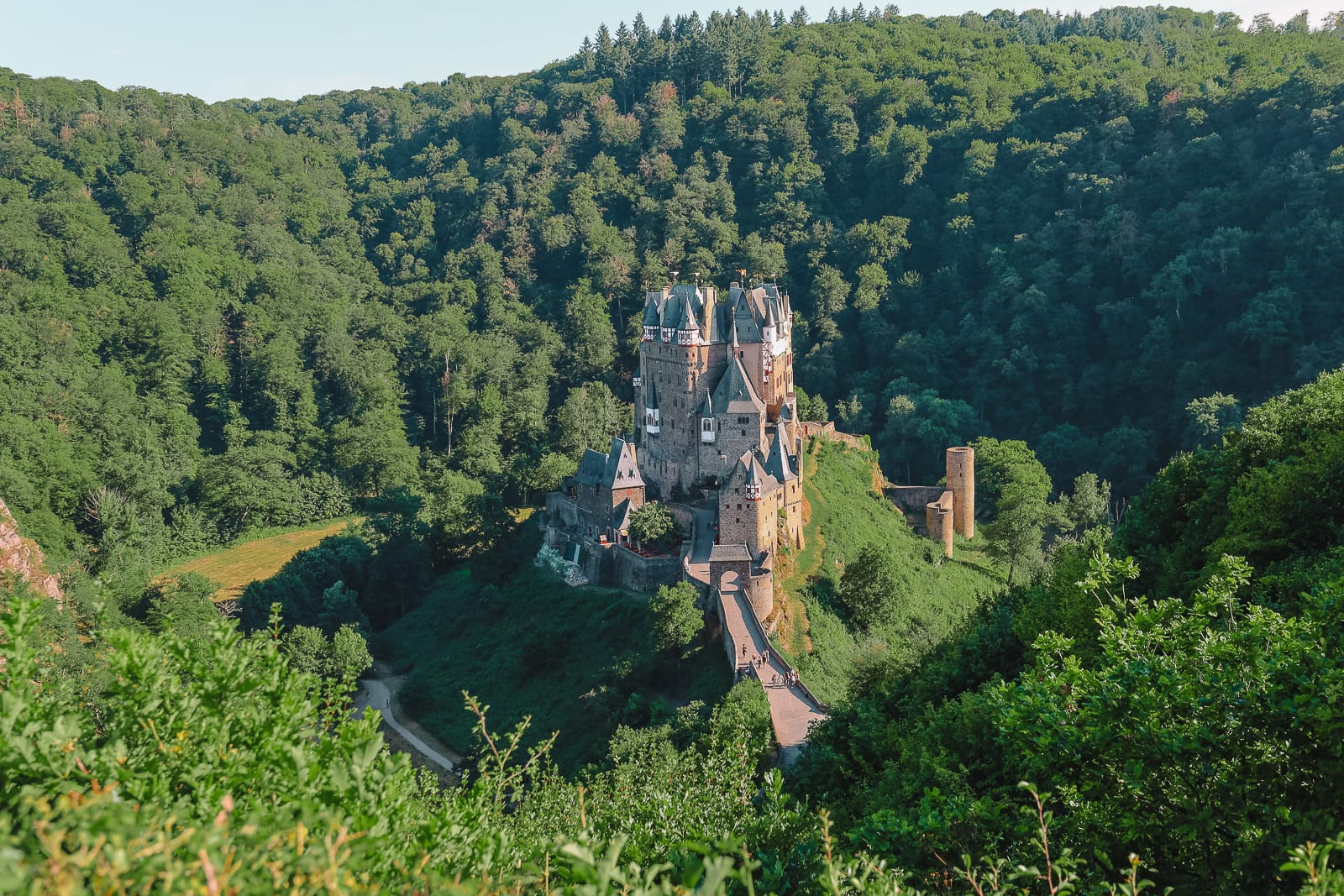 The Gorgeous Little Town Of Beilstein and The Amazing Eltz Castle In Germany (58)