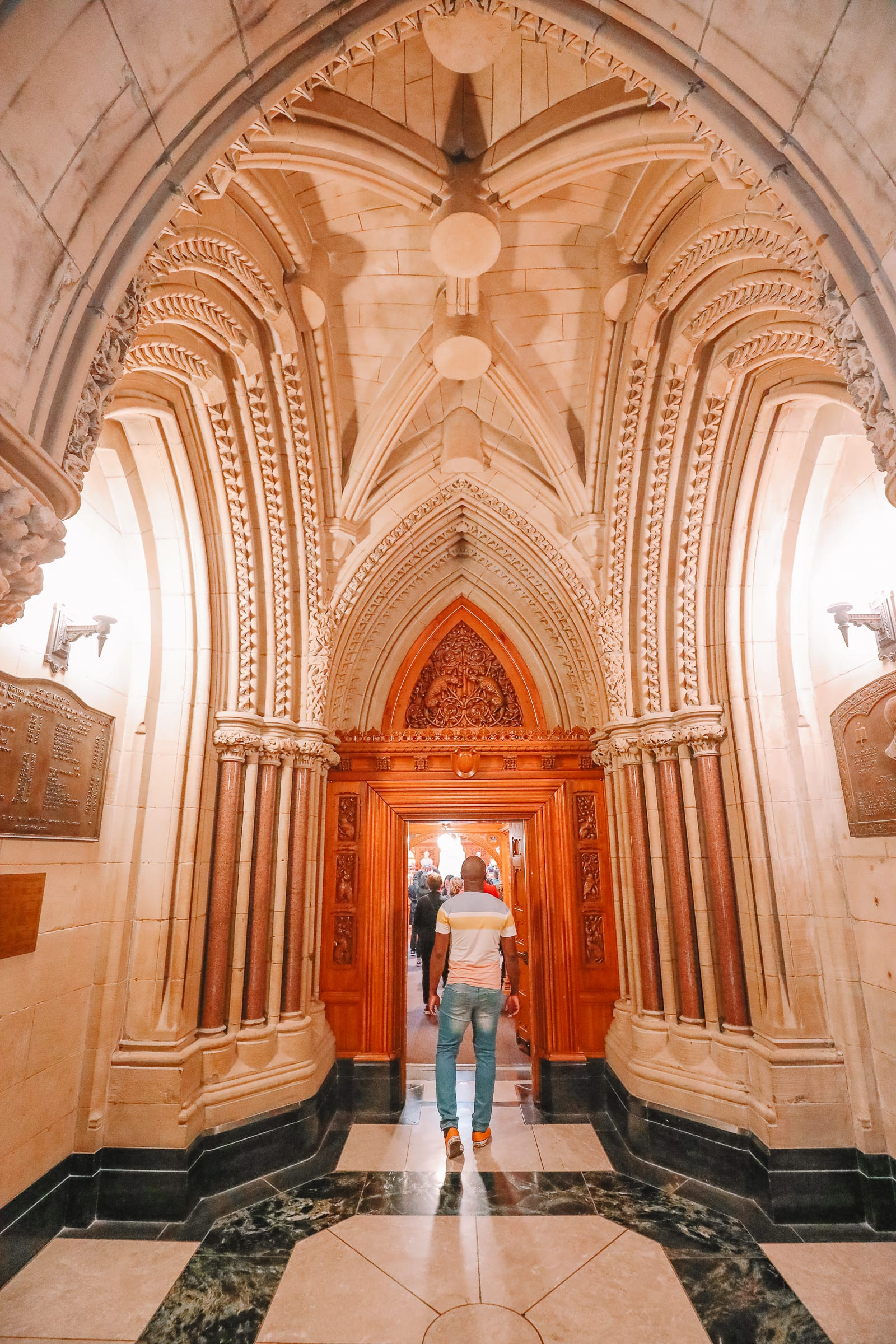 Visiting The Parliament Of Canada (22)