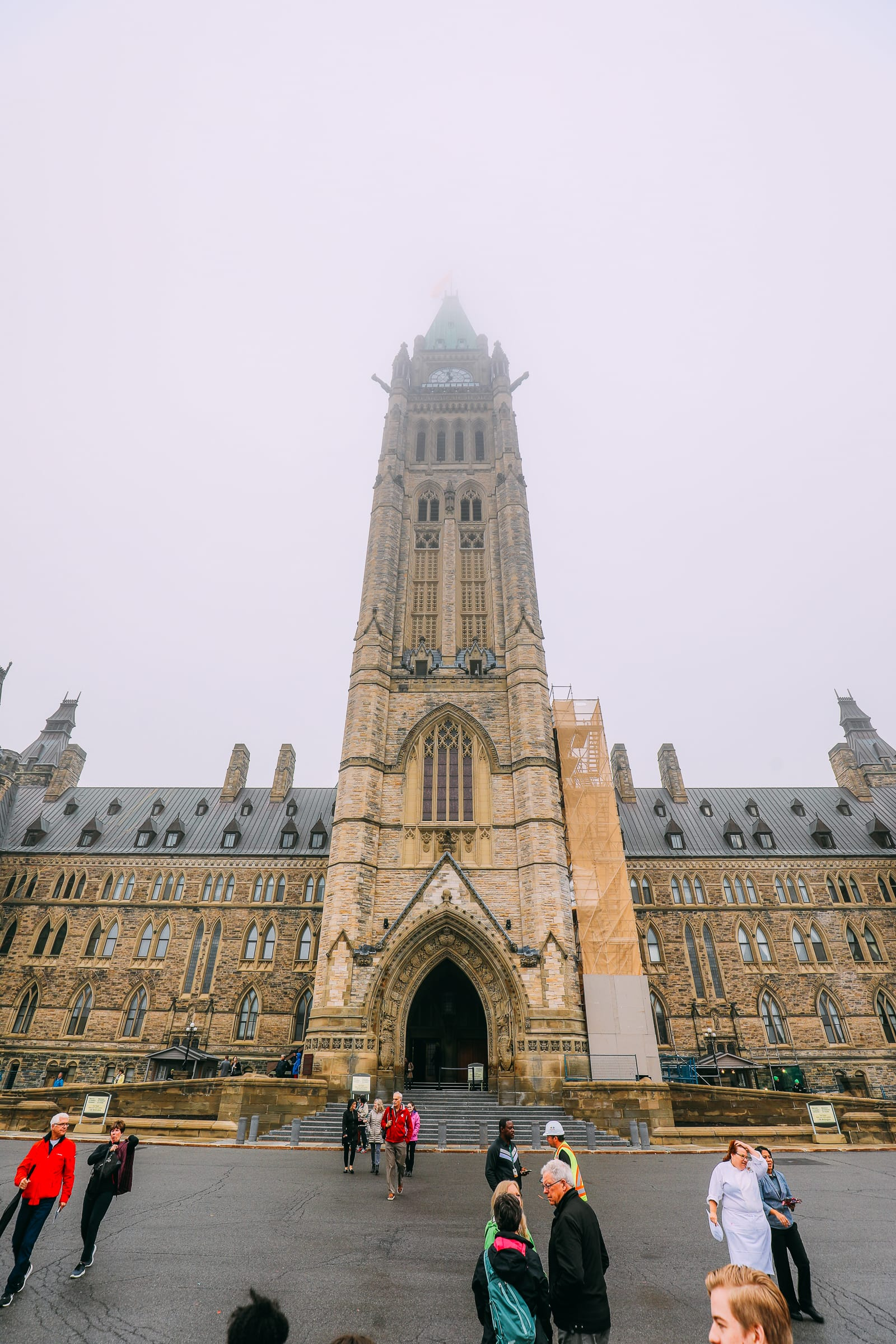 Visiting The Parliament Of Canada (33)